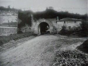 Arco oscuro.1910 (Roma sparita)